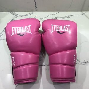 BRAND NEW pink everlast protex boxing gloves